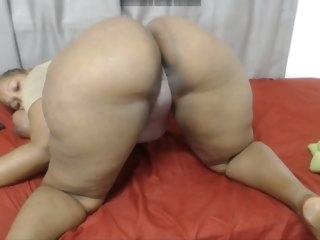 hotjuicyass bbw shaking ass